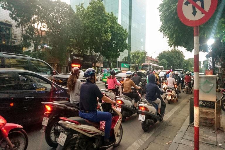 ベトナム交通
