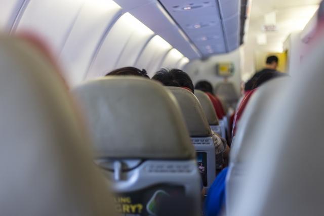 国際線の機内の写真
