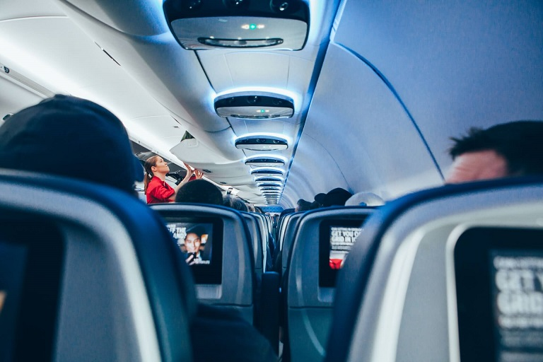 国際線機内の写真