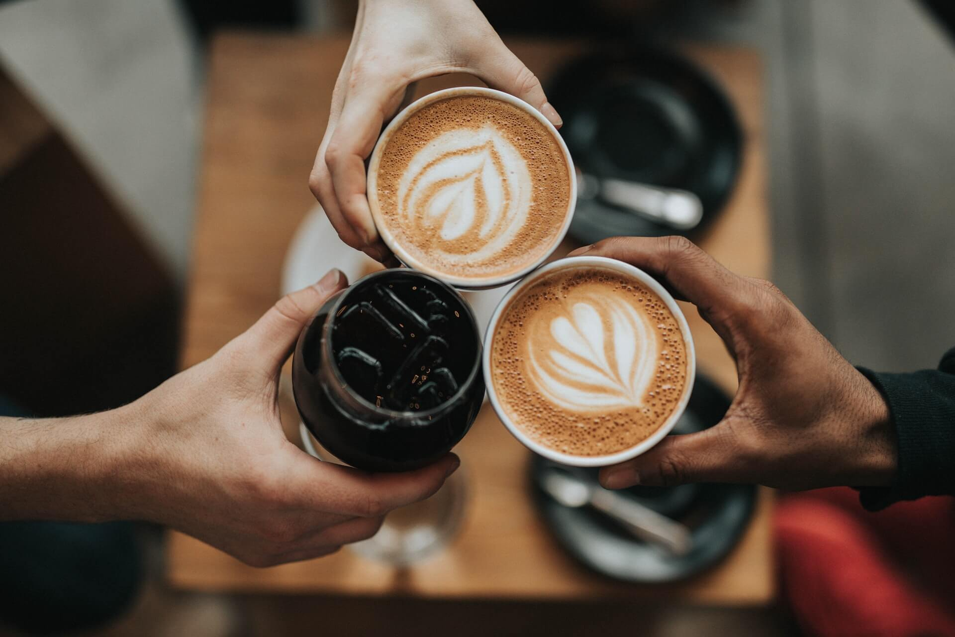 より実践的に学べる英会話カフェがオススメ