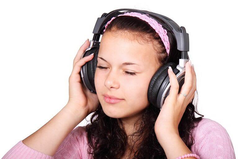 英会話の勉強にラジオがおすすめな理由